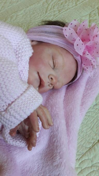 Nina née le 24 avril 2kg500 48 cm du kit freya de Tina Kewy